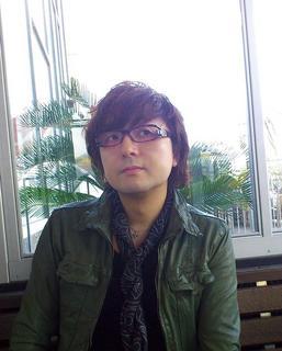 Mitsuda_photo2012-2.jpg